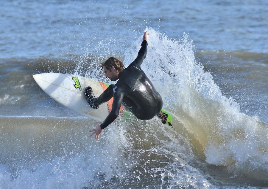 by Nigel Street - Sports & Fitness Surfing