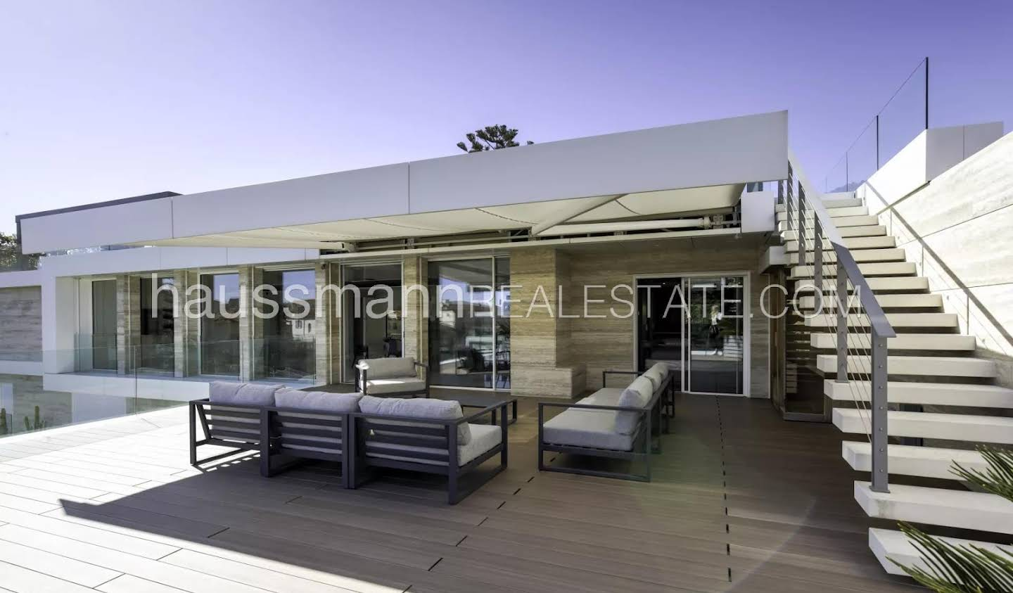 Apartment with terrace and pool Beaulieu-sur-Mer