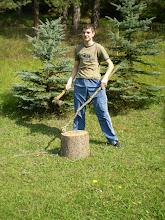 Photo: Aj drevo viem rúbať