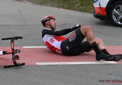 Ploeg komt met pijnlijke update: valpartij van renner Lotto-Soudal blijkt erger dan eerst aangenomen