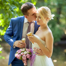Wedding photographer Ekaterina Kozlova (Asynion). Photo of 27.07.2014