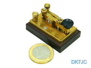 """Photo: Muster-Taste (Model) der Mobiltaste mit Mini-Kugellagern von -Heinz Schlüter DJ4TJ- 1995  """"DL""""  # 651"""