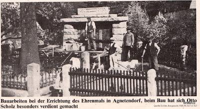 Photo: Agnetendorf, Bau des Ehrenmals