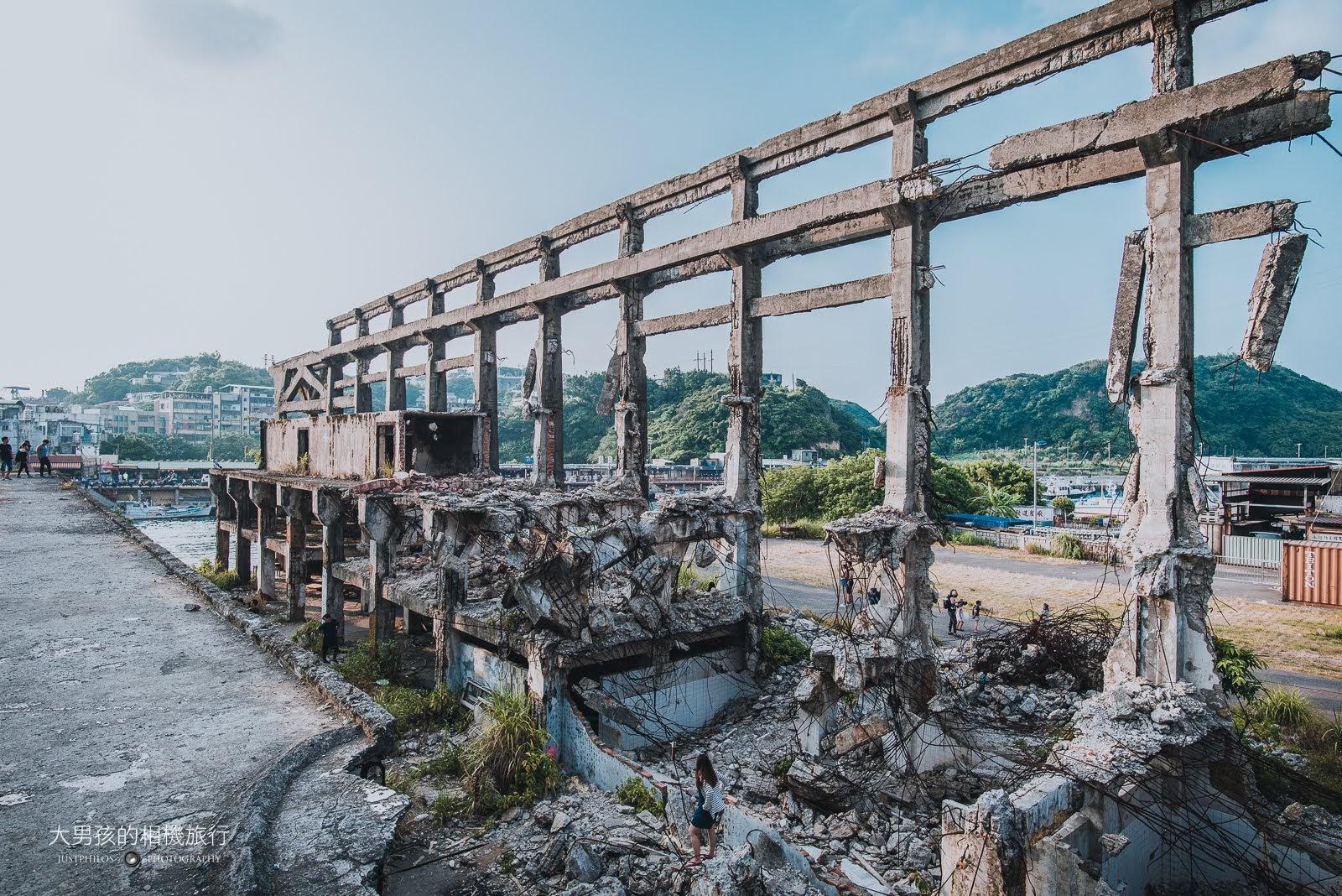 阿根納造船廠內隨處可以斷垣殘壁,進入時一定要格外小心。