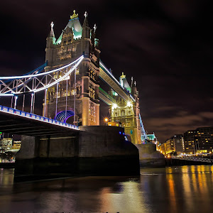 Tower Bridge - night.jpg