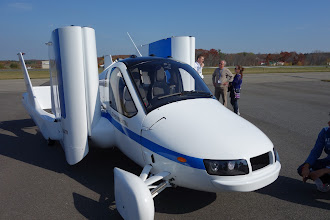 Photo: The Terrafugia flying car. RX100 not folled by the white paint into underexposing.