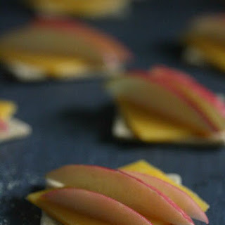 Cheddar Apple Crackers
