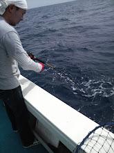 Photo: 「船長!またきました!」 松尾さんに再び・・・「船長!バレました!」・・・ズコッ!