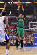 Photo: LOS ANGELES, CA - DECEMBER 27: Jared Sullinger #7 of the Boston Celtics shoots against the Los Angeles Clippers on December 27, 2012 at the Staples Center in Los Angeles, California. NOTE TO USER: User expressly acknowledges and agrees that, by downloading and or using this photograph, user is consenting to the terms and conditions of the Getty Images License Agreement. Mandatory Copyright Notice: Copyright 2012 NBAE (Photo by Noah Graham/NBAE via Getty Images)