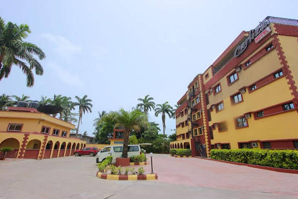Carliza Hotel