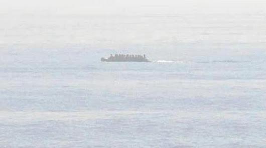Rescatadas 26 personas en dos pateras a la deriva por el mar de Alborán