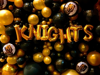Yes, By does loves the Las Vegas Golden Knights and we have incredible balloon decor designer's that show it.  Las event planning. By Dzign is the source for all your event needs.