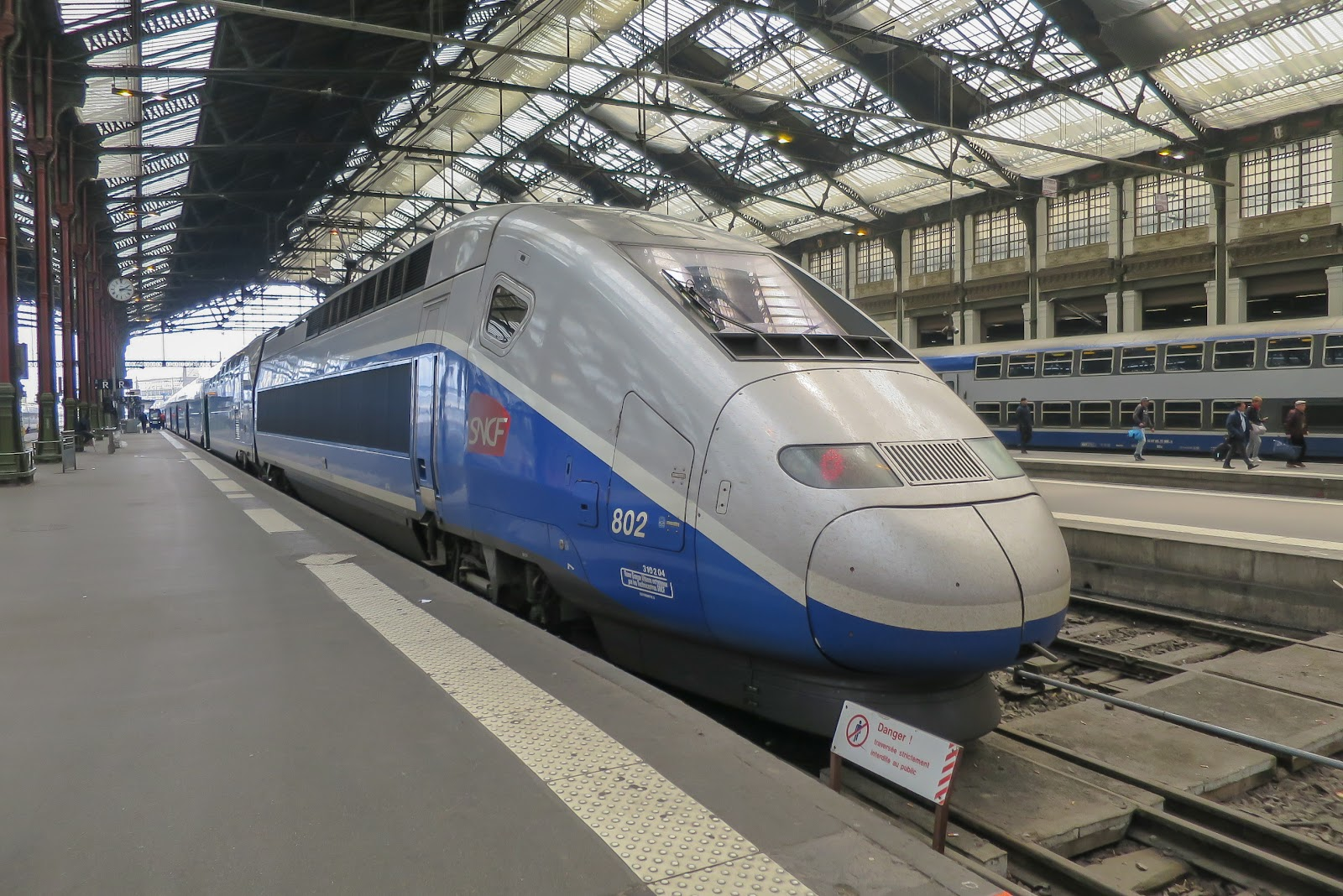 O train à grande vitesse, ou trem de alta velocidade (TGV), é o terceiro trem mais rápido do mundo. (Fonte: Wikimedia Commons)