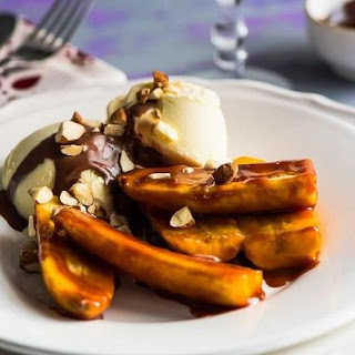 Caramelized Bananas With Ice Cream
