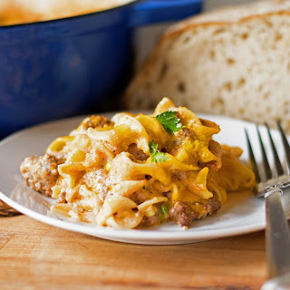 Cheesy Sour Cream Noodle Bake