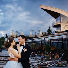 Wedding photographer Elena Strela (arrow). Photo of 20.11.2018