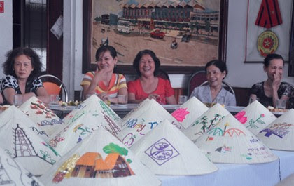 Chợ Đông Ba, gia vị cho nón lá Huế