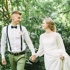 Wedding photographer Yuliya Bazhenova (juliamiss). Photo of 11.04.2017