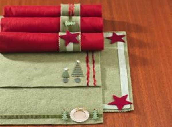 Holiday Felt Place Mats And Napkin Rings Recipe