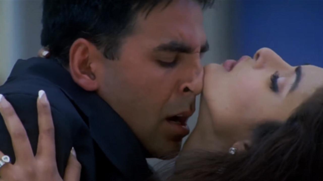 8. Priyanka Chopra and Akshay Kumar