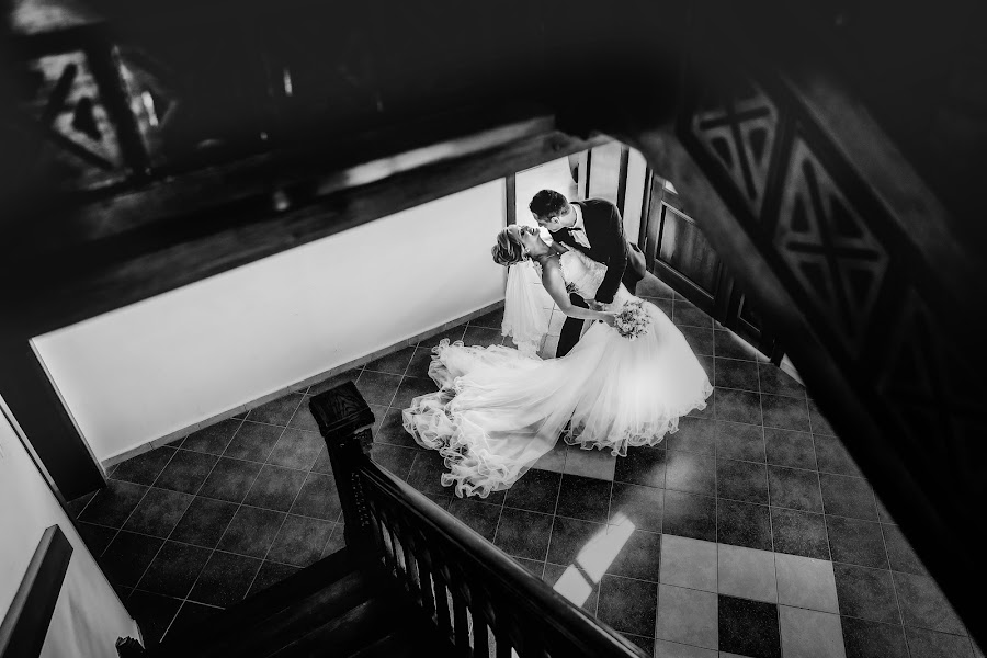 Wedding photographer Marius Marcoci (mariusmarcoci). Photo of 15.04.2019