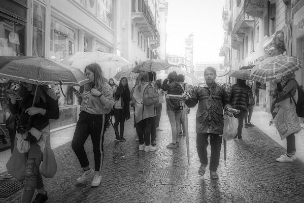 Te voi riparà? ...compra umbrellu! di Yasis
