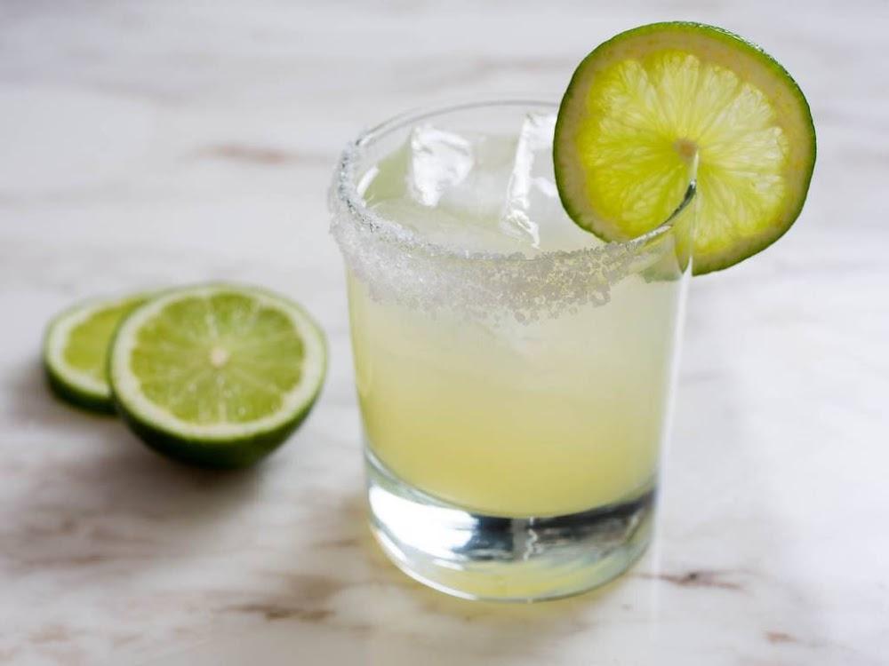 types_of_cocktails_margarita_image