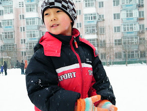 Photo: 3rd snow in Qiqihar in winter 2012. son, warrenzh 朱楚甲 reunited with his proudest dad, benzrad 朱子卓, after defeated insanity from his mom's family, esp. the grandma, a sinful heart and a pair of sick espionage eyes. the blessing snow announce save and forgiving, in vanish of evils against our Royal China under Zhu's and God's shine. Here the brilliant son had break soon before drew back home.