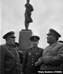 Визит военной делегации Монголии в СССР, 1969 год. Слева генерал армии Иван Федюнинский