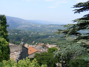 Photo: The panoramic view from the church square towards the Luberon range and the valley below.