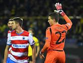 Ethan Horvath (Club Brugge) wijst op slechte staat van het veld in Jan Breydel