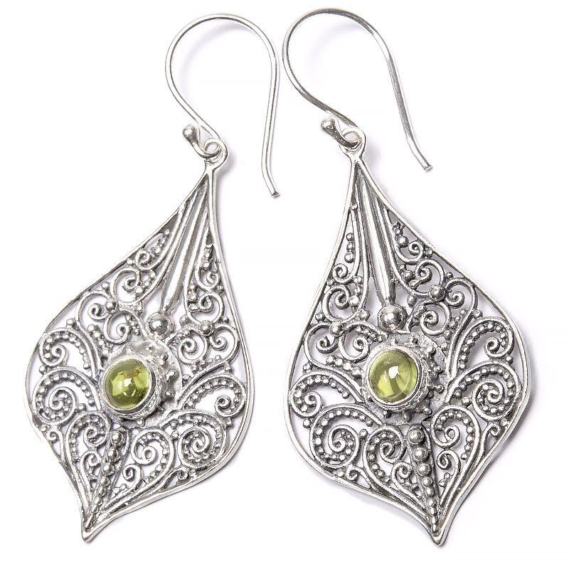 Peridot, stora örhängen silver med filigran