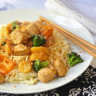 Honey Sriracha Chicken and Noodles