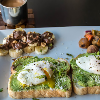 SIMPLE POACHED EGG and AVOCADO TOAST Recipe