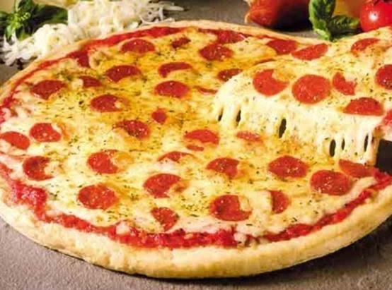 Just Like Pizza Hut Stuffed Crust Pepperoni Pizza Just A Pinch