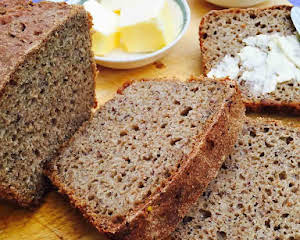 Rye ground linseed bread