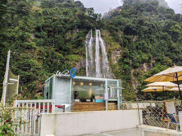 瀑布3号,網美系透明玻璃屋景觀餐廳,喝一口咖啡,夢幻瀑布美景近在眼前