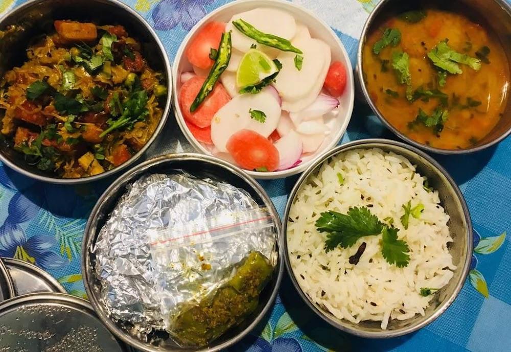 best-tiffin-services-delhi-delhi-tiffins-image