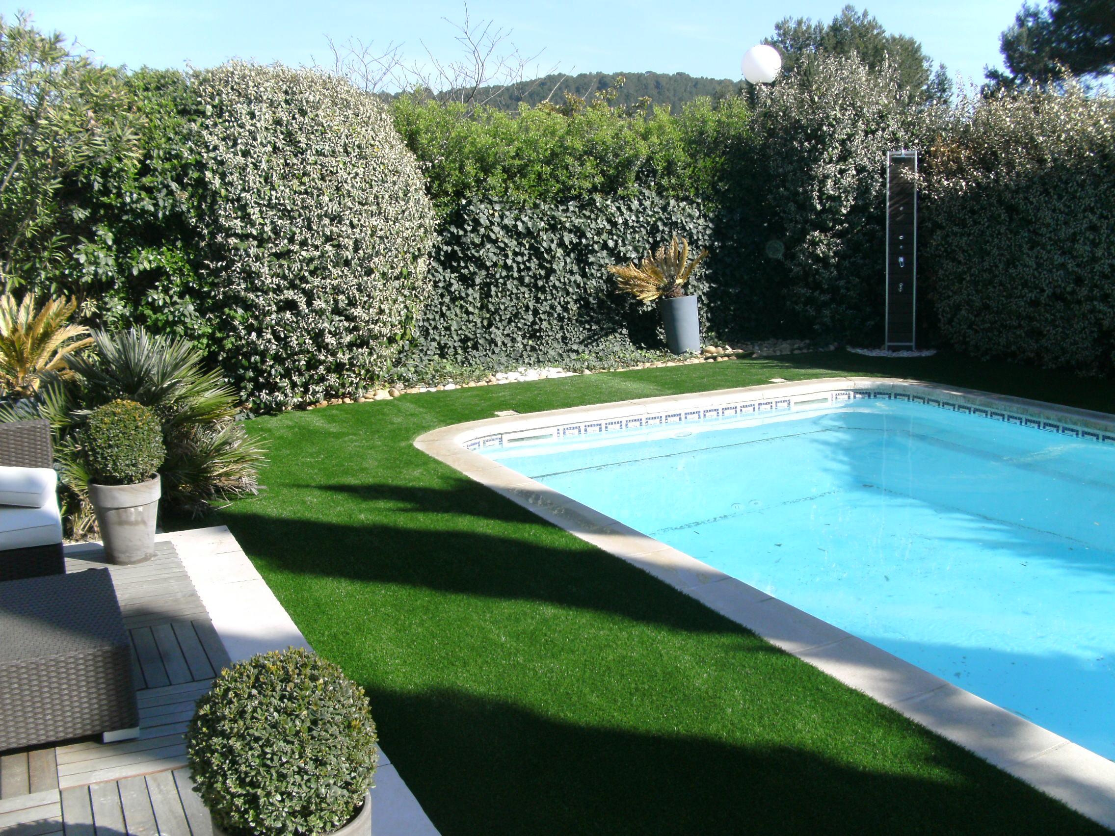gazon-synthetique-piscine-1-gazon-synth-tique-pour-contour ...