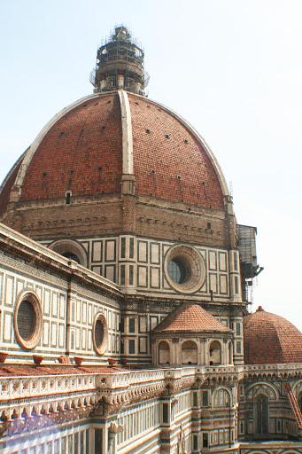 duomo-basilica.jpg - The Duomo basilica in Florence, Italy.