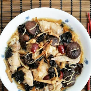 Steamed Chicken with Black Fungus.