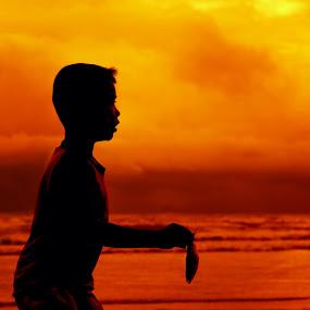 Only one by Mindaugas Navickas - Babies & Children Children Candids ( water, sunset, thailand, sea, beach, boy, portrait, man )