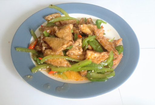 131. Dry Tofu with Green Chilli (hot)