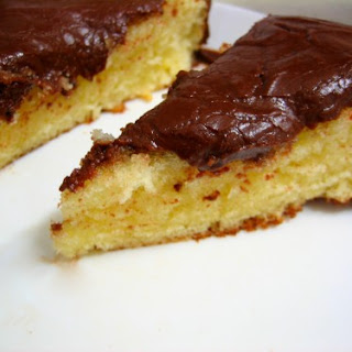 One-bowl Vanilla Cake with Chocolate Frosting