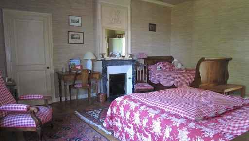 triple nostalgic bedroom for 2 guests at le clos de la garenne 17700 puyravault