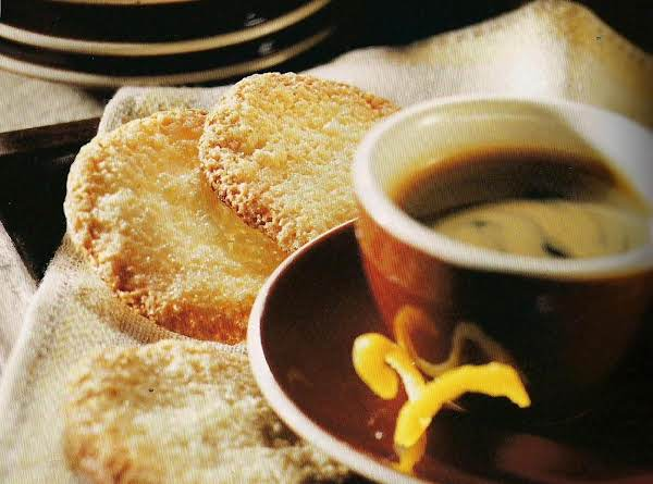 Amaretti Fini (almond Macaroon Crisps)