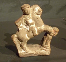 Photo: Macedonian cavalry in terracotta found in Egypt, 2nd-1st century BC.......... Macedonische ruiter in aardewerk uit Egypte, 2de-1ste eeuw v.C.
