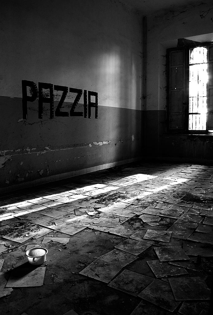 Raggi di... PAZZIA di Francesca Malavasi