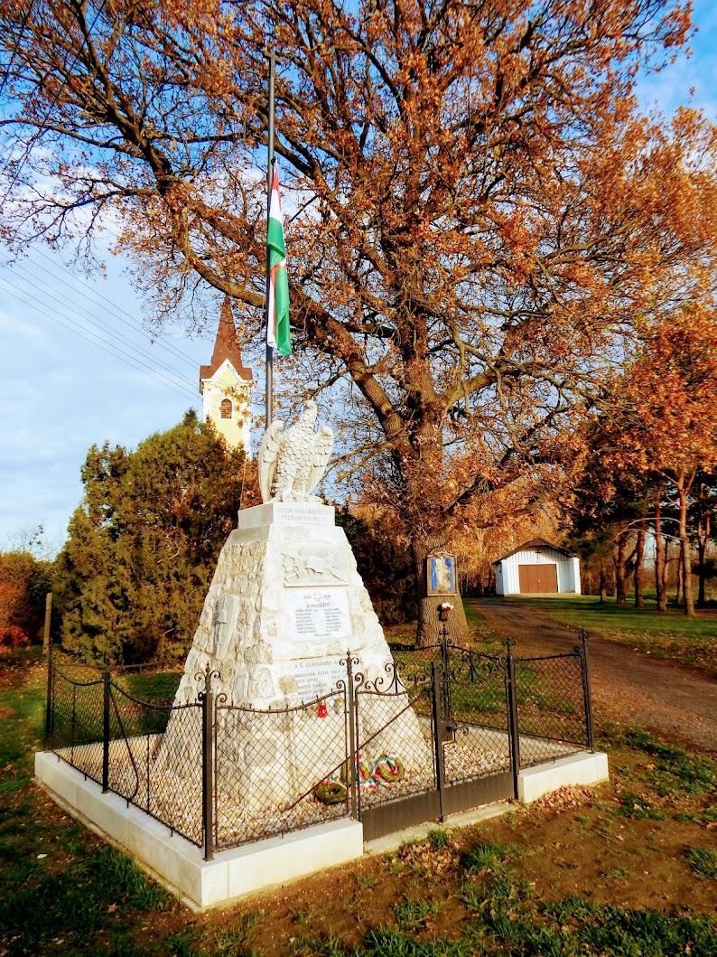 Vasszécseny - Lipárti hősi emlékmű