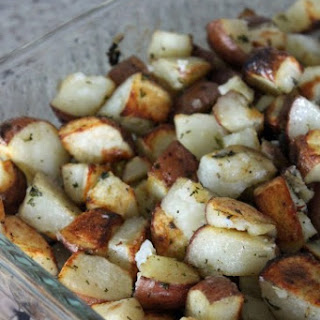Garlic & Herb Oven-Roasted Potatoes